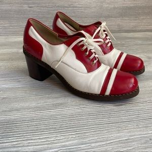 Vintage oxford style lace leather spectator pumps